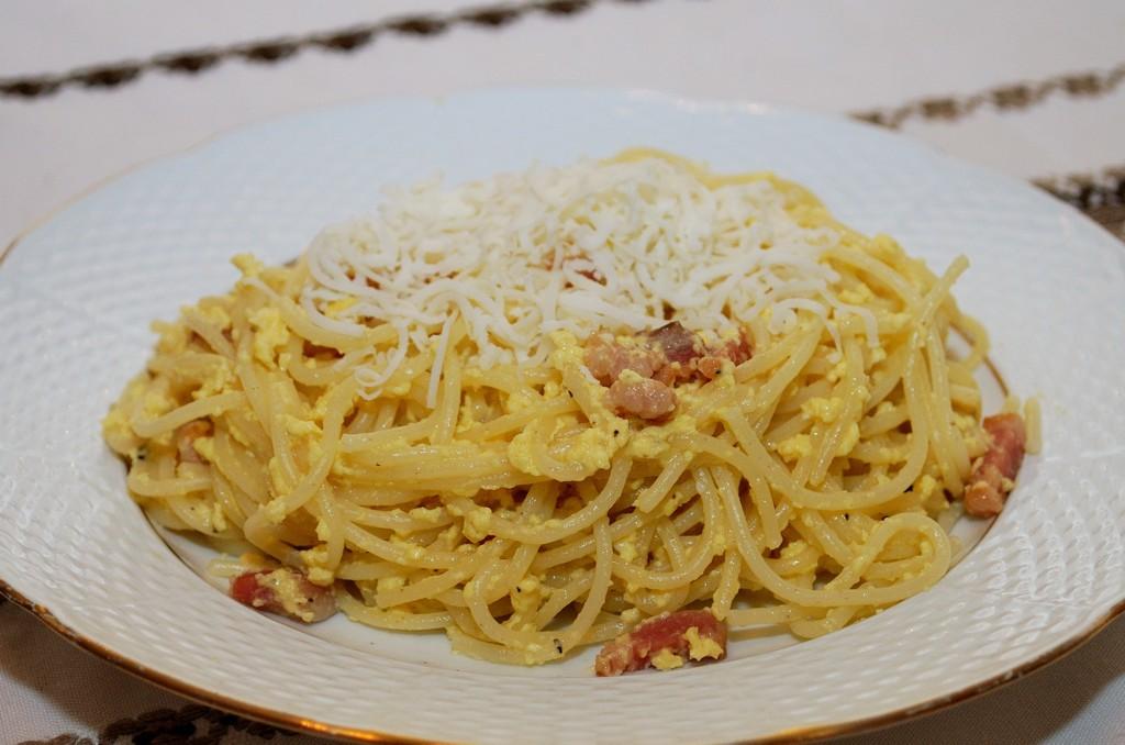 Spagetti Carbonara rántotta