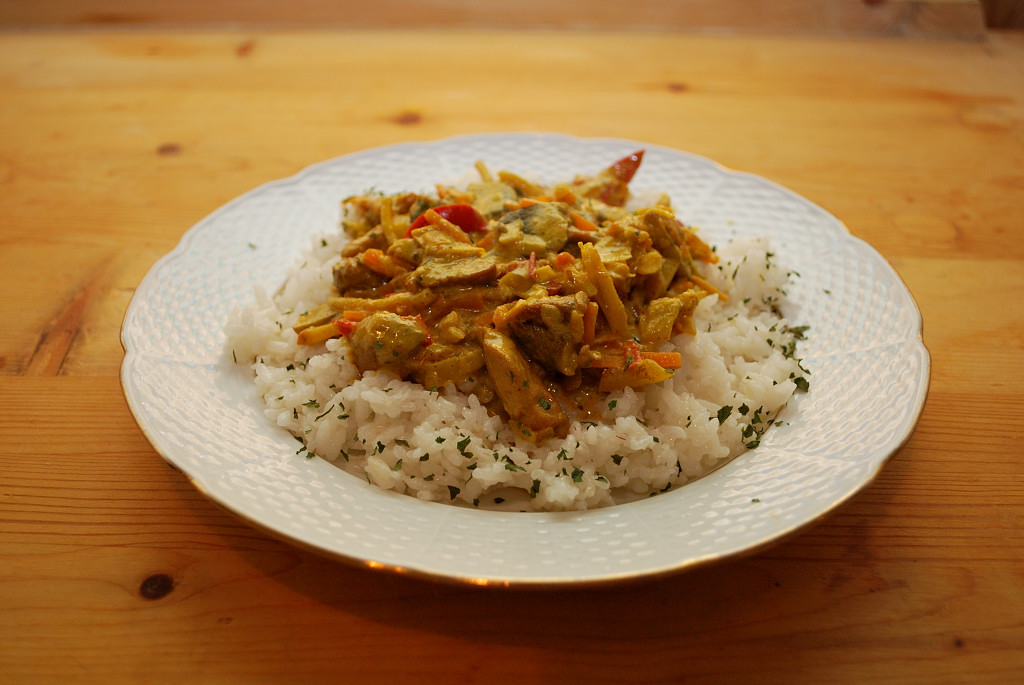 Sertéshúsos, gombás curry